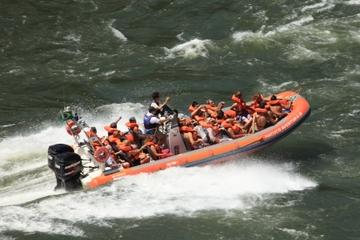 Excursión a las Cataratas del Iguazú: Recorrido en vehículo...