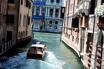 Traslado privado desde el aeropuerto Marco Polo de Venecia