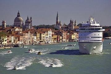 Venedig - Privater Transfer im Wassertaxi: Bootsfahrt ins Zentrum von...