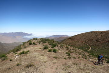 Ruta en bicicleta de montaña en la montaña Olleros desde Lima