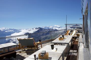 Excursión Oro al Glaciar 3000, aperitivo y escapada de un día a...