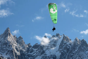Paragliding experience over the Alps