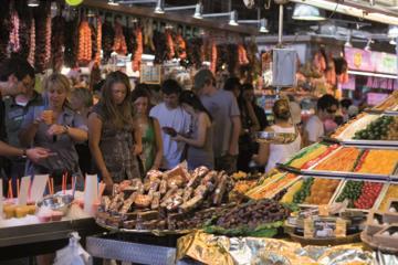 Tour a piedi gastronomico di Barcellona e mercato di Santa Catarina