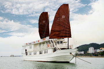 Dschunken-Bootsfahrt mit Übernachtung in der Halong-Bucht