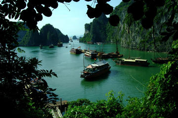 Private Tour: 4-tägige Bootstour mit den Highlights von Hanoi und der...