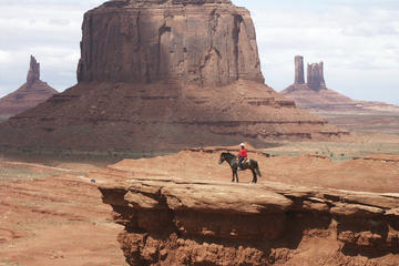 Book Monument Valley Tour from Flagstaff on Viator
