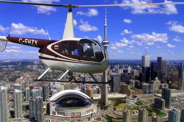 Passeio de helicóptero de 14 minutos por Toronto
