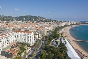 Recorrido panorámico audioguiado a Cannes, Grasse y Gourdon desde Niza