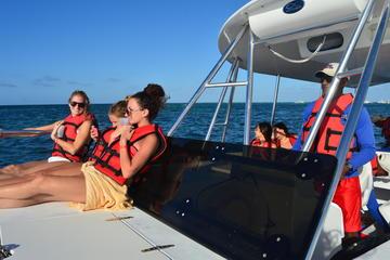 Crucero de buceo durante la puesta del sol de Punta Cana