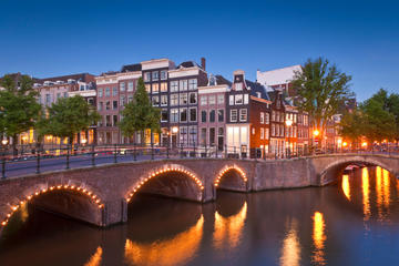 Crucero por los canales de Ámsterdam por la tarde con cena de 4...