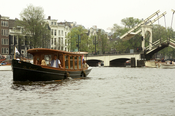 Privétour: sightseeingtour door de grachten van Amsterdam