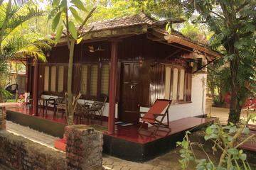 Kerala Tree House and Backwater Stay