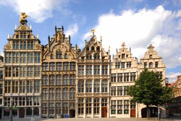 アムステルダム発ブリュッセルとアントワープ行き…