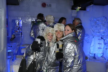 Amsterdams Xtracold Icebar mit optionaler Grachtenfahrt