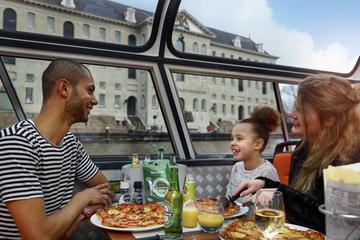 Crucero con pizza por Ámsterdam por la noche