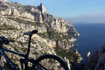 excursion-dans-les-calanques-en-velo-a-marseille