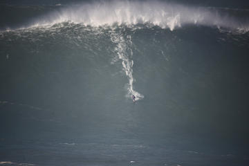 Private Tour: Nazare Big Waves from...