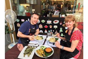 シンガポールでのプライベート料理体験(マーケッ…