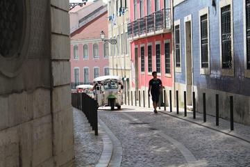 Tour panoramico di mezza giornata tuk tuk elettrico a Lisbona