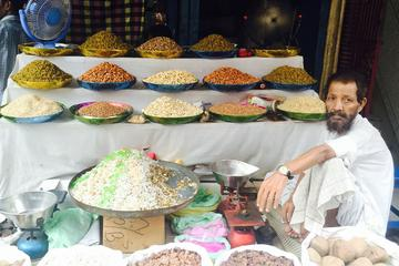 Old Delhi Walking Tour: Explore Indian Arts and Henna