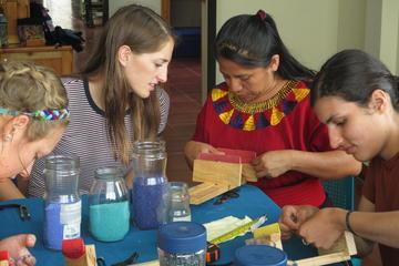 Santa Cruz City Tour: Beading and Cooking with Locals