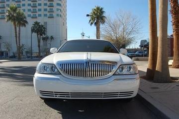 Privat lyxig limousinefärd från Las Vegas flygplats till hotellet