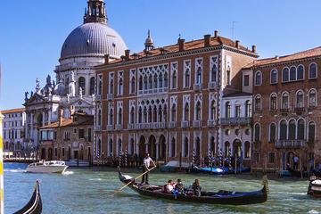 Experiencia en góndola por Venecia y tour a pie por la tarde