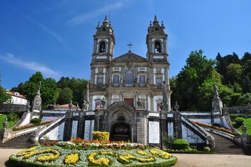 Excursão de um dia em Guimarães e...