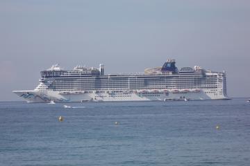 Full-Day Private Cannes Shore Excursion: Monte Carlo, St-Paul-de-Vence, Nice