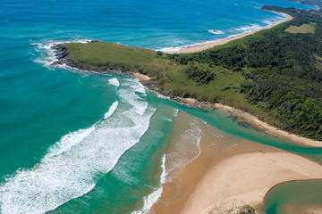 10-Day Surf Adventure from Brisbane to Sydney Including Coffs...