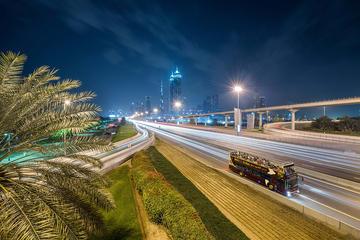 Big Bus avondtour door Dubai met gids
