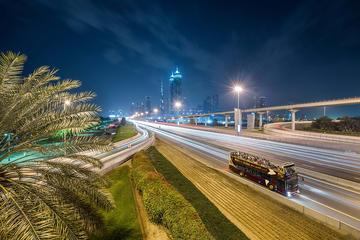 Tour notturno di Dubai con Big Bus, inclusa guida