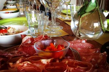 Private Organic vineyard Tour with wine, Olive Oil and Tuscan Meal