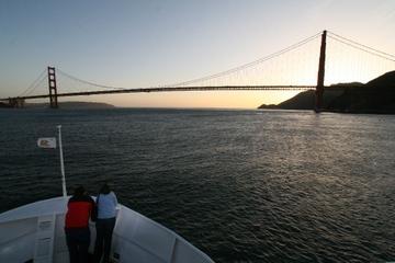 San Francisco Bay Bootstour bei Sonnenuntergang