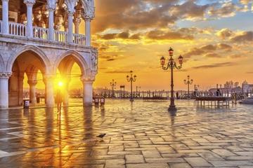 Keine Warteschlangen: Ticket für den Dogenpalast plus Führung