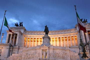 Recorrido para grupos pequeños por Roma en monovolumen y a pie con...