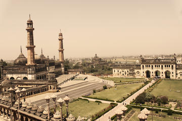 7-Hour Small Group Lucknow Sightseeing Tour with Hotel Pickup