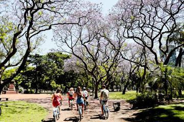 Excursão de bicicleta em parques e praças