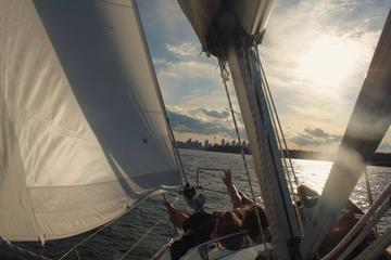 Sydney Harbour-Segeltour mit...