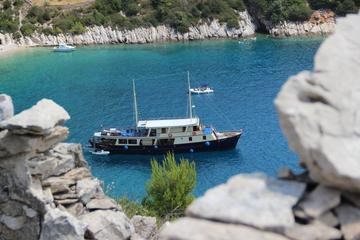 7-Day Dalmatian Coast Captain's Cruise from Split