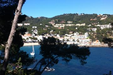 Girona and Costa Brava Day Tour with ...