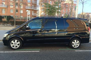 Traslado privado para llegadas en vehículo de lujo en Barcelona