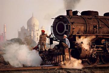 Taj mahal tour by Gatimaan express train ( Executive class)