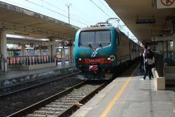 Traslado privado para salidas: estación de tren de Florencia