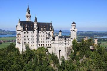 Evite las colas: excursión de un día al castillo de Neuschwanstein...