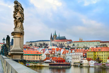 Large Prague Circle by Bus with Lunch and Staropramen Visit Included