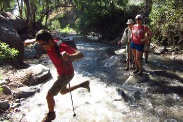 Excursión de un día: Caminata a las cataratas de Santiago