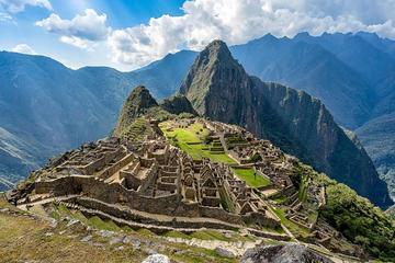 Traslado al aeropuerto, City Tour, Valle Sagrado y Machupicchu (todo...
