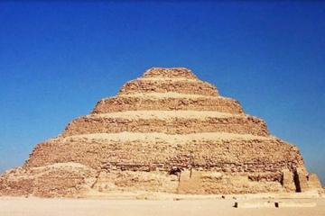 Day Tour to Giza Pyramids and Saqqara Pyramids