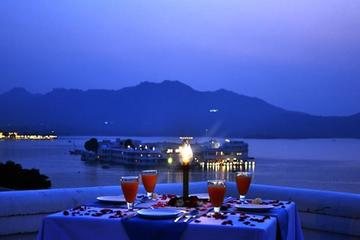 An Evening at Lake Pichola Stunning...
